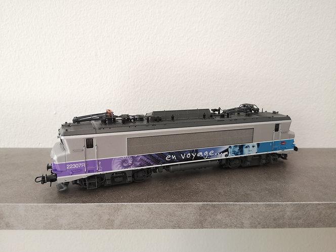BB 522307 livrée en voyage SNCF ép VI analogique - ROCO 73879 - HO