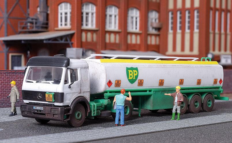 Camion citerne HO – KIBRI 14670