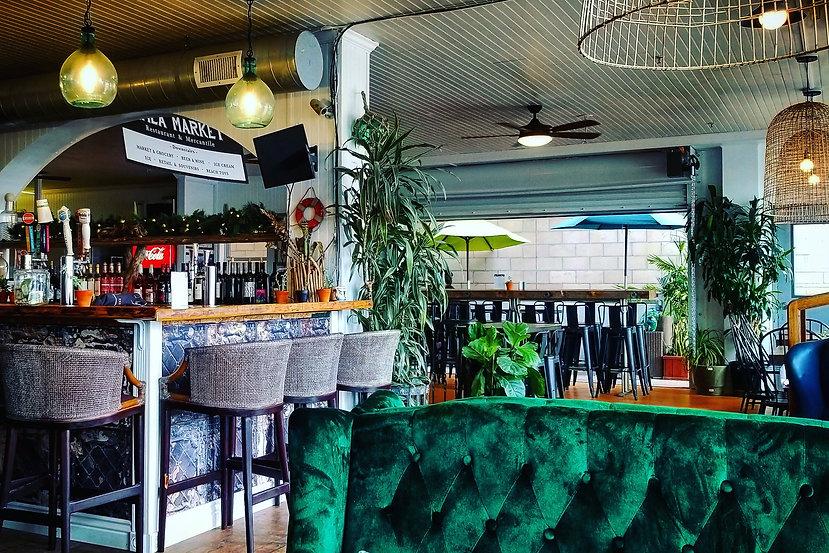 Patio Seating at the Avila Market  Restaurant in Avila Beach