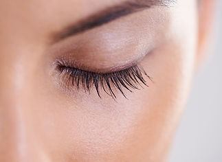 Eyelash-Extensions-vs-Latisse-Which-is-t