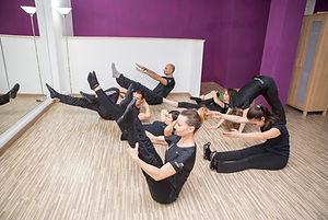 Pilates mat class in piccolo gruppo