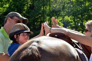 horseHands.jpg