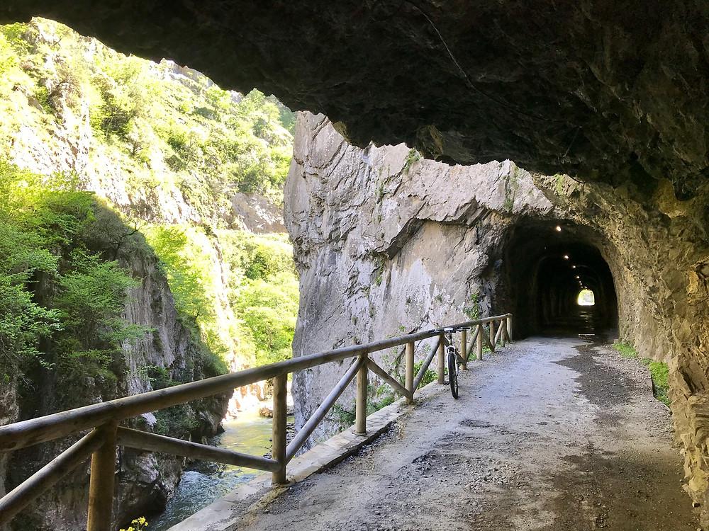 Tunel Senda del Oso