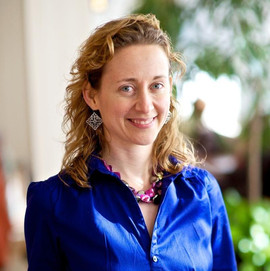 Dr. Lisa Palmer head shot - blue.jpg