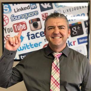 Billy with social media.jpg