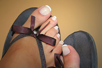 toe-nails-1564964_1280.jpg