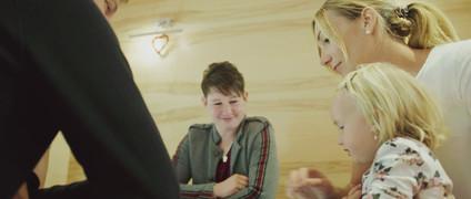 4touch_Werbefilm_großer_Tisch.mp4