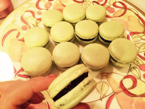 Mint Macaroons with Chocolate Filling