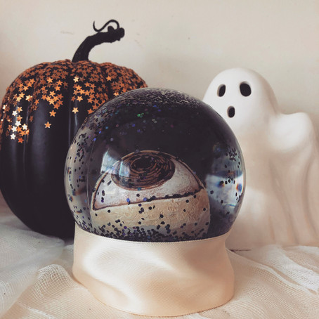 4 Easy and Inexpensive Decorations to Make for Halloween