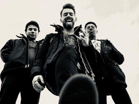 Between Giants - 10 Questions Music Interview