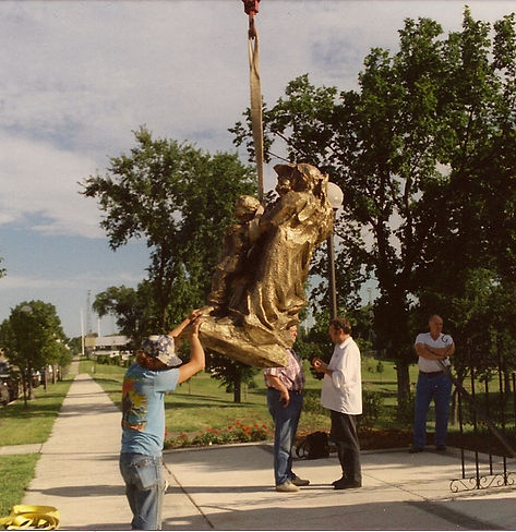 Placing the Statue.jpg