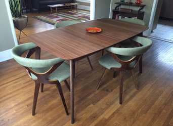 Dining room furniture needn't match