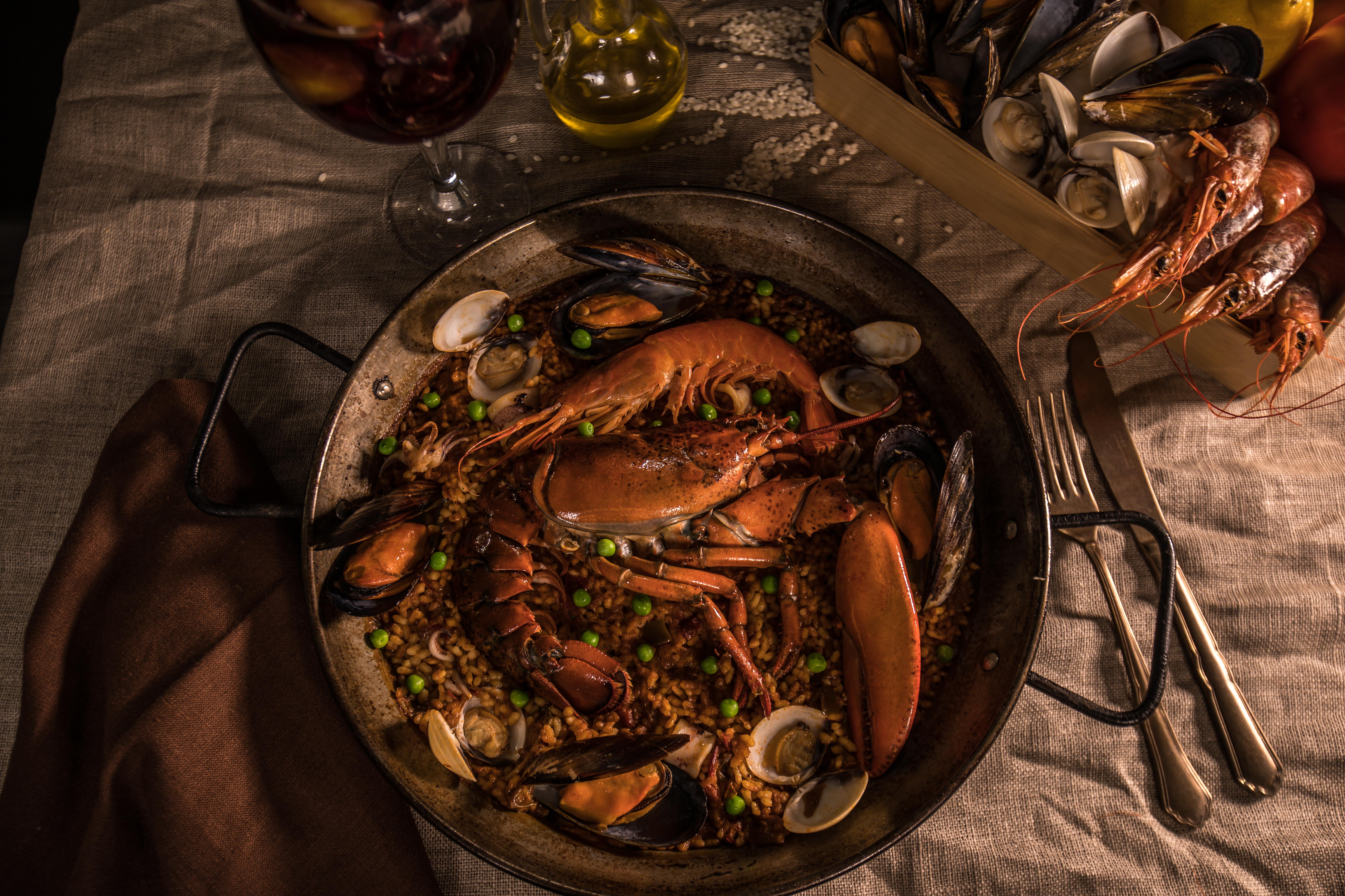 Paella real con bogavante
