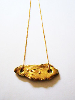 Gold plaited chain pendant