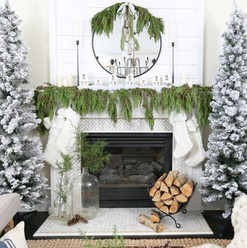 Christmas+2017+Home+Tour_+Deck+The+Blogs