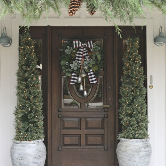 Modern-Farmhouse-Christmas-Front-Entry-w