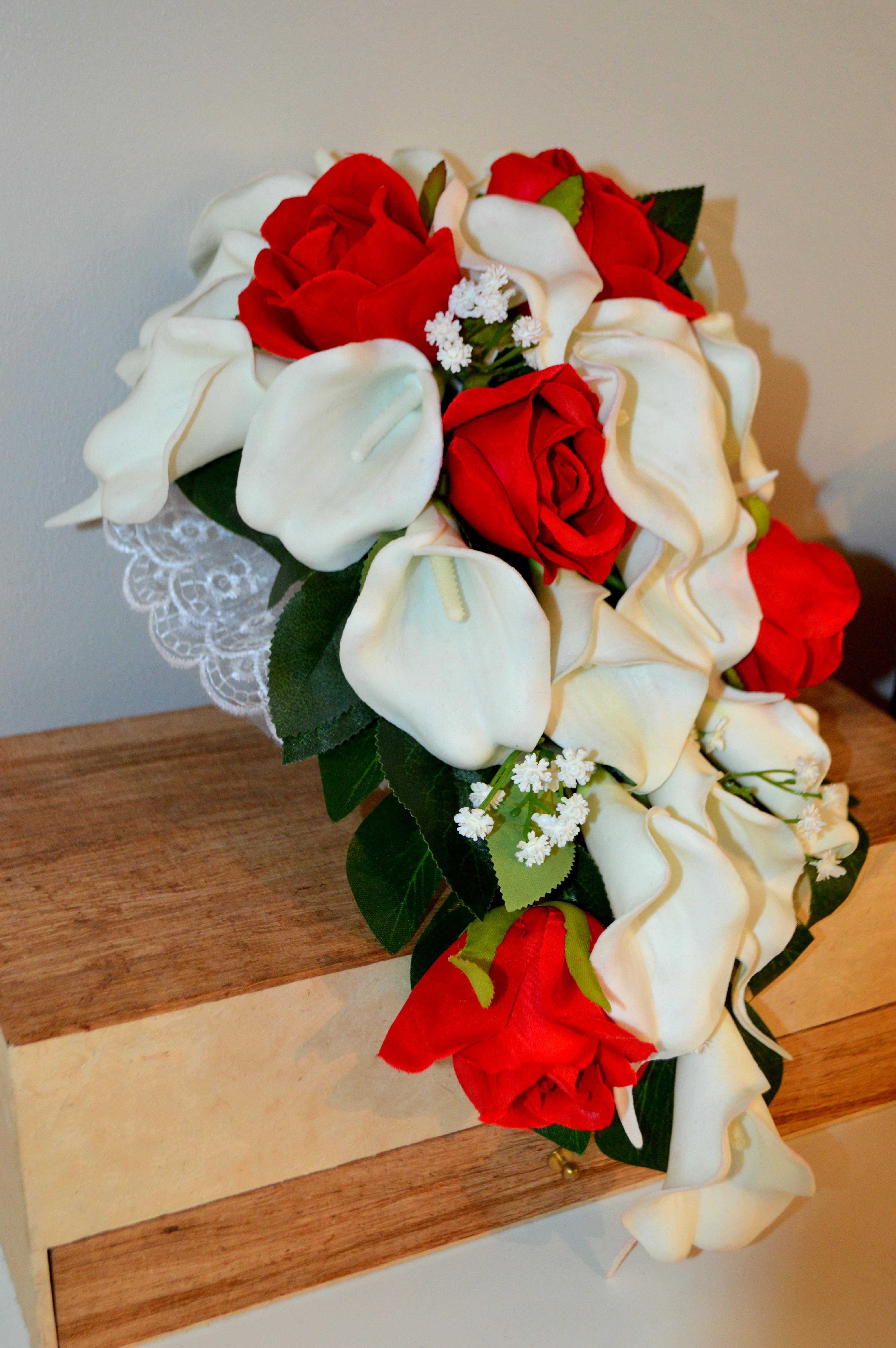 Bouquet cascade - rouge et blanc