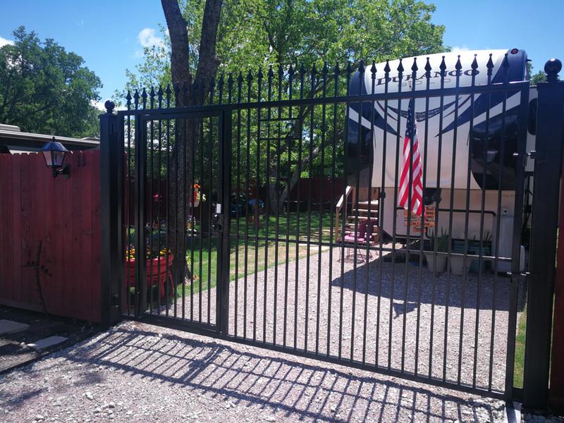 Villas Lot 5 Gate.jpg