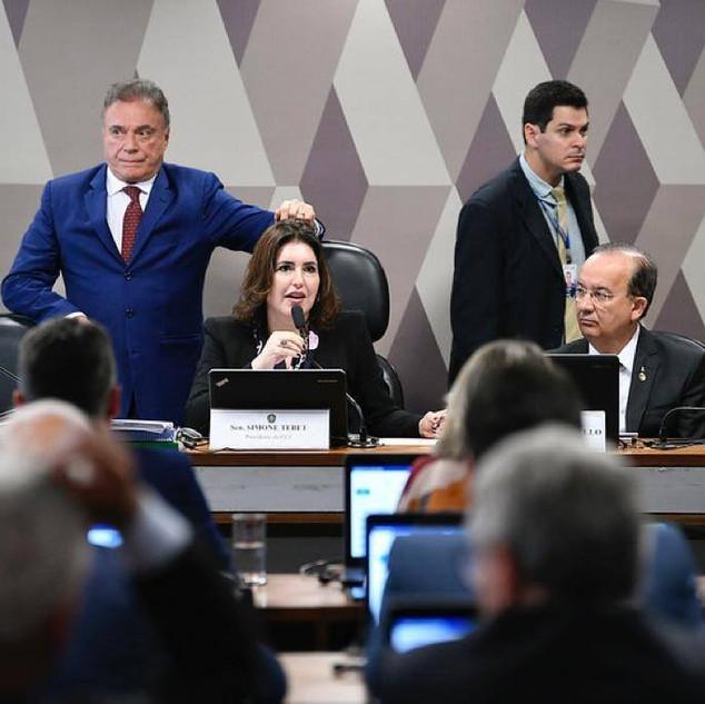 Senadores Rose de Freitas, Alvaro Dias e Simone Tebet