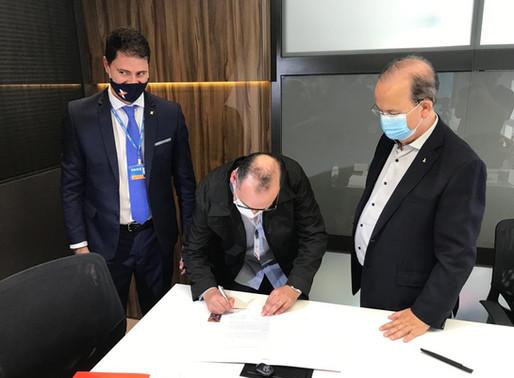 Assinatura de contrato do Pronampe marca sucesso no primeiro mês de operações do programa
