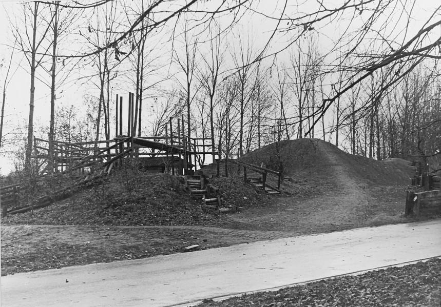 Het Jeugdstadion werd heropgebouwd en Herman werd tijdens de zomer van '68, nu 46 jaar geleden, de eerste hoofdanimator in contractueel verband in Vlaanderen. In die tijd was speelpleinwerking ongeveer de enige vrijetijdsbeleving tijdens de vakanties, maar de Ieperse werking had veel meer baanbrekend werk in haar mars:   In 1970 werd het eerste Robinsonplein aangelegd in Vlaanderen met daarin het eerste terrein om kampen te bouwen! De proefstof van het nabije Picanol werd hier gretig voor gebruikt, ook werd heel wat materiaal meegesleept van thuis uit.   Begin jaren '70 schafte men ook nog eens de 'verplichte platte rust' af en in 1973 ging men met een gemengde groep animatoren naar Tirol, wat in die tijd zeer gedurfd was!