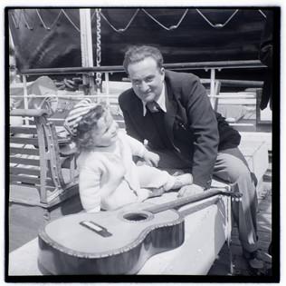 Bundi & son Tommy on the boat to Palestine, 1939