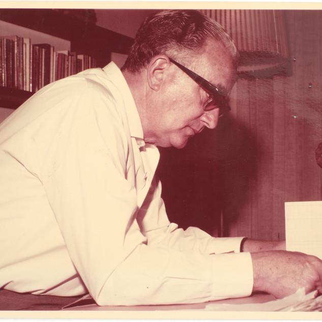 בונדי בביתו בתל אביב, שנות ה-60 המאוחרות