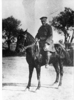טרומפלדור על סוס בגדוד נהגי הפרידות