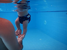 פעילות במים תינוקות ופעוטות
