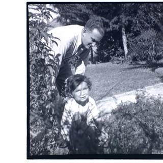 אבא בונדי ובנו טומי, פלשתינה, 1940