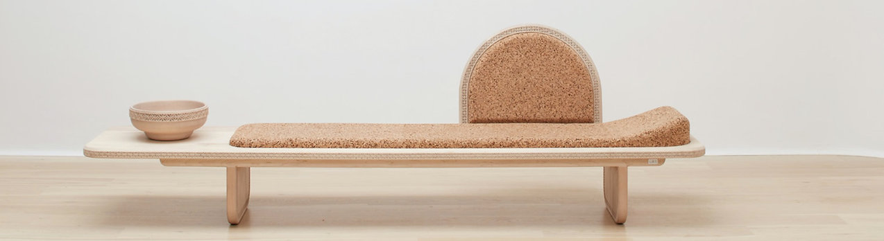 Meraki Daybed hand crafted from soft maple and light composite cork by Wiid Design, Handcarved Soft Maple, Light Composite Cork, Cork Furniture, Wood and Cork Daybed, African inspired, Chaise Longue de bois et liège, tumbona de madera y corcho, poltrona de legno e sughero