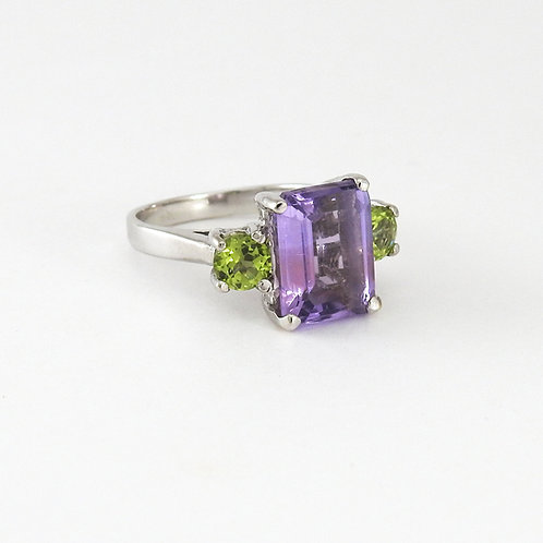 Amethyst with peridots