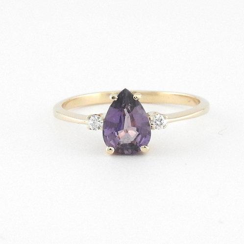 Purple Saphire & diamonds ring
