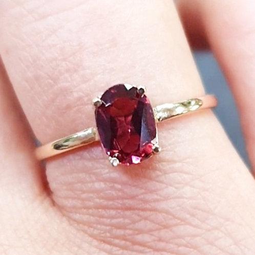 Garnet single stone
