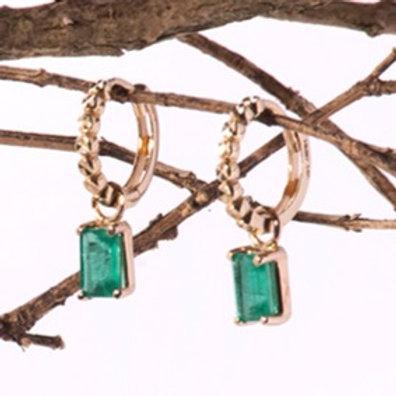 Huggies diamantados y esmeraldas naturales