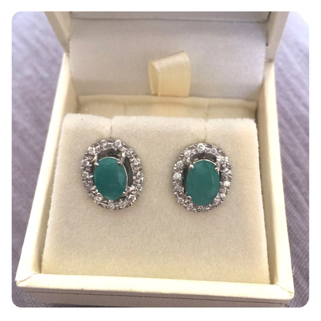 emerald studs.jpg
