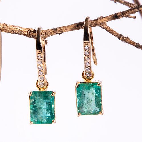 Aretes de esmeralda y diamantes