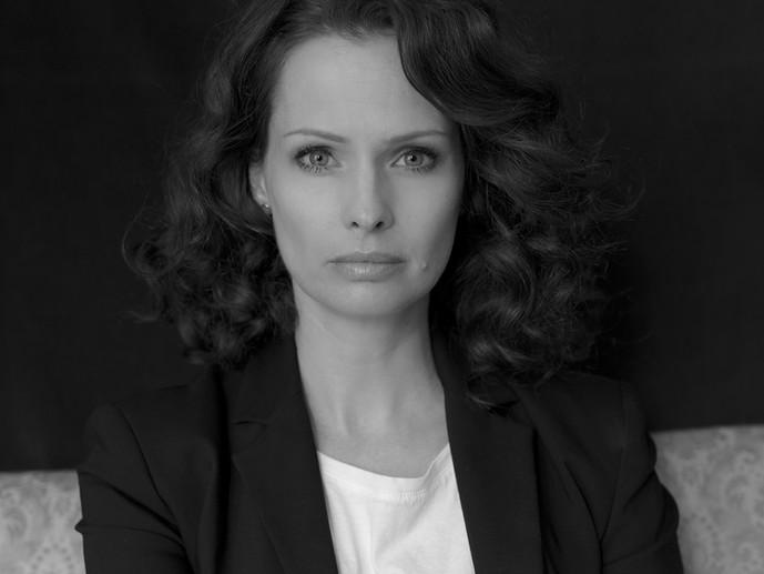 Kata Dobó / Actress