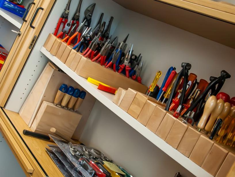 Werkzeug im Werkraum.jpg