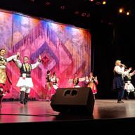 Николина Чакърдъкова и Неврокопският танцов ансамбъл