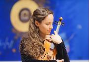 emilie violon.png