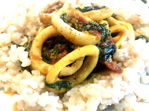 Calamares con curry y espinacas