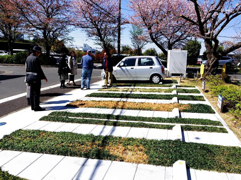 竹山団地16-2ブロックの写真。竹山団地16-2ブロックの住民が作った駐車場