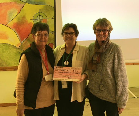 ADAPT presents 500€ donation to our President, Lynda Brettle