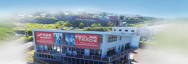 creation bâches enseigne reunion pour Solar Trade et Free Energy réalisée par le Studio Oxygène agence de pub à la Réunion