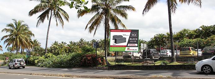 creation affiche 4x3 reunion pour Prefabloc réalisé par le Studio Oxygène agence de pub à la Réunion
