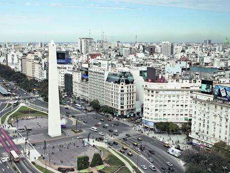 PIB argentino cae por primera vez en 14 meses y marcaría el inicio de una recesión