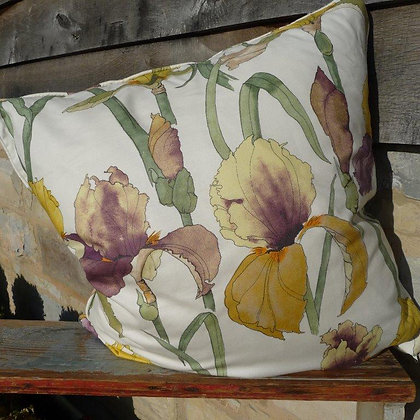 Cushion Ianthe Iris 1, In Bloom Collection
