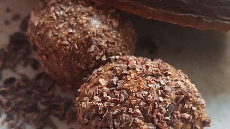 "ENERGY BALLS GOURMANDS BY ""L'ATELIER VEGGIE DE LAWHAPPY"""