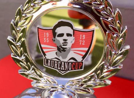 Público de regresso ao futebol na Laureano Cup